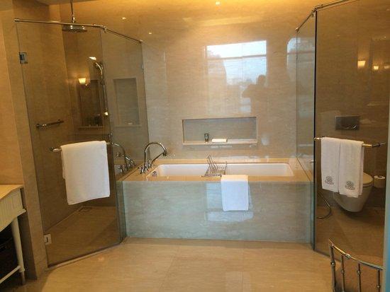 Oriental Residence Bangkok : Bathroom