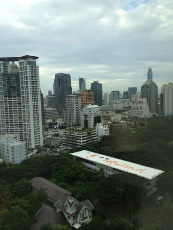 Oriental Residence Bangkok: View from the room balcony