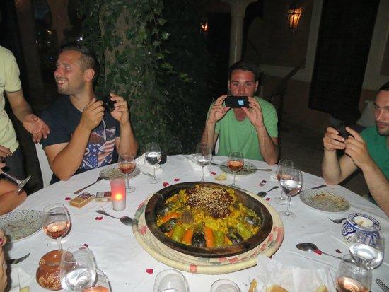 """Riad le Perroquet Bleu : """"au pays des délices"""" : le couscous de Sanaa, 100% terroir"""