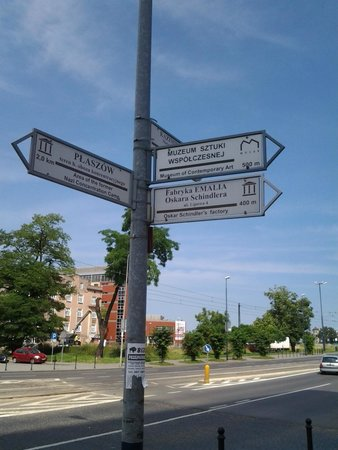 Oskar Schindler's Factory: Signpost that guides you to the factory from nearby bus/tram station