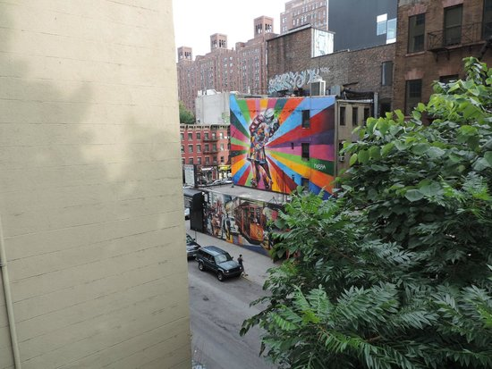 The High Line: The Freedom Kiss