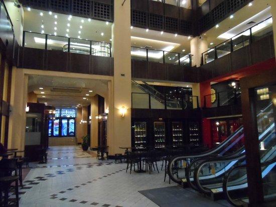 The Grace Hotel Sydney: Parte do saguão