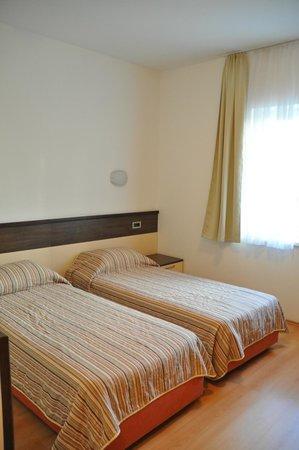 Hotel Porto : twin beds
