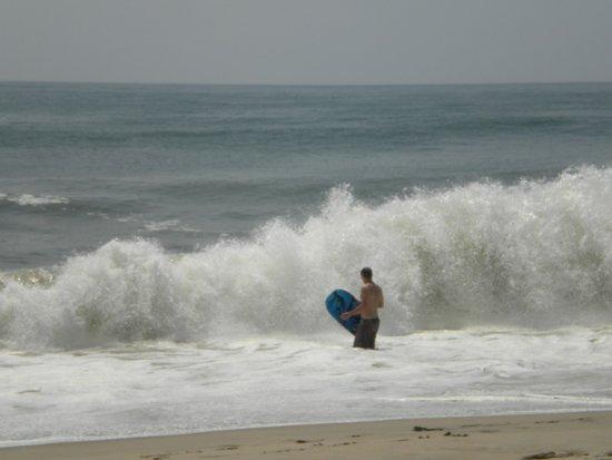 Surfside Beach: CALM wave!