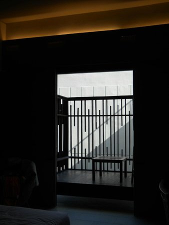 The Oasis Lagoon Sanur: выход на балкон