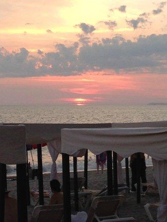 Crown Paradise Golden Resort Puerto Vallarta: Tropical Sunset