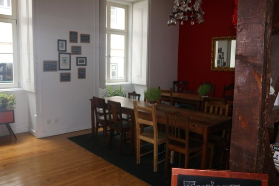 Living Lounge Hostel: Dinning area