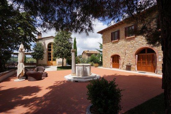 Tenuta delle Rose : Il Granaio und ein Wohngebäude