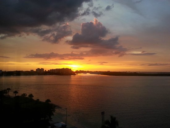 Lovers Key Resort: Gorgeous sunset view from Lover's Key Resort balcony