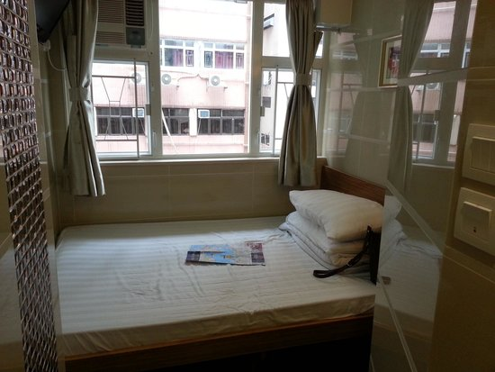 KG Garden Guest House: kamar double bed