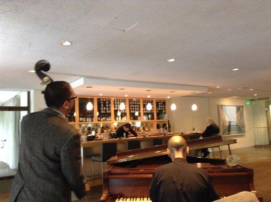 Bravo Restaurant : ボストン美術館で美術鑑賞の後に生演奏
