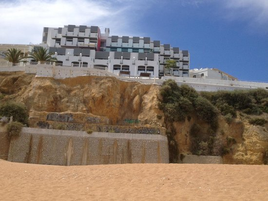 Rocamar Exclusive Hotel & Spa: hotel from the beach