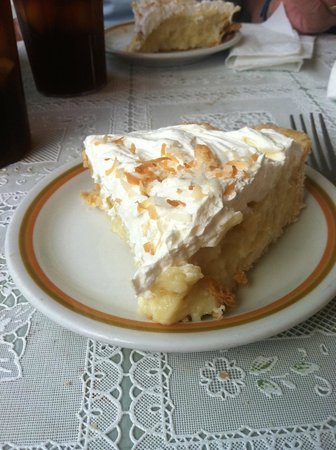 Aroma Pie Shoppe: Coconut Cream Pie.  Super Good.