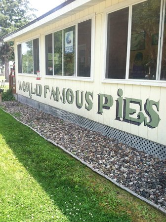 Aroma Pie Shoppe: Stop for lunch but save room for pie!