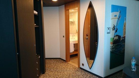 DoubleTree by Hilton Istanbul - Moda : room bathroom