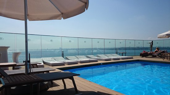 DoubleTree by Hilton Istanbul - Moda: pool