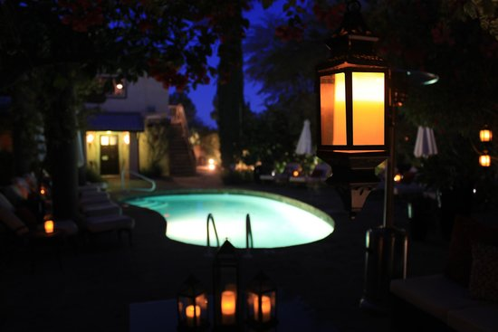 We Care Spa: Pool at Night