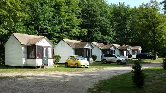 Profile Motel & Cottages: My little car and our little cottage made a cute little couple