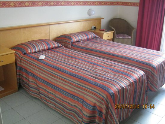 Hotel Sporting Baia: Comfortable beds