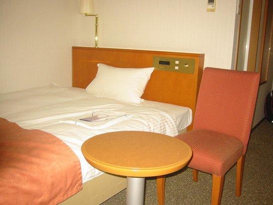 Daiwa Roynet Hotel Toyama : 重厚感ある部屋2