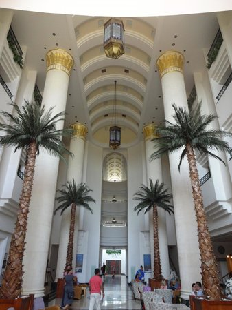 Fantasia Hotel De Luxe : Entrance Hall