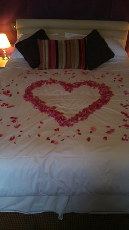 Boathouse Hotel: Petals put on our bed for wedding night room 4