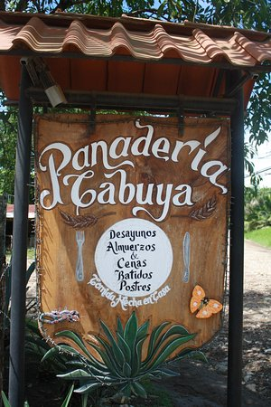 Cabuya Bakery and Cafe: Great place for breakfast