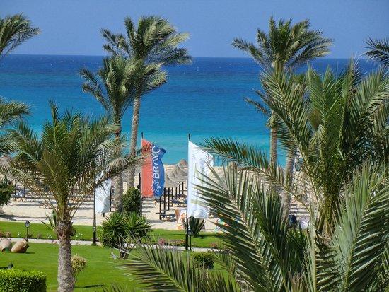 Jaz Almaza Beach Resort: Vista dalla camera
