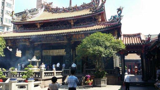 MyTaiwanTour Travel Services: Longshan Temple