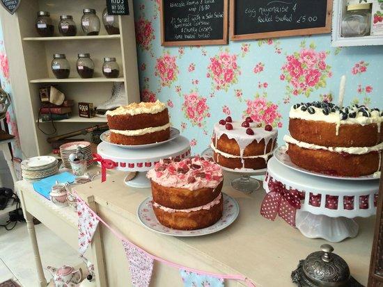 Cinnamon Sticks Vintage Shop and Tea Room : The display of cakes