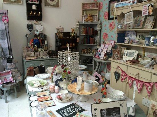 Cinnamon Sticks Vintage Shop and Tea Room : Lots of fun stuff