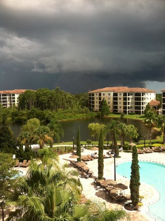 WorldQuest Orlando Resort: storms blow over quickly