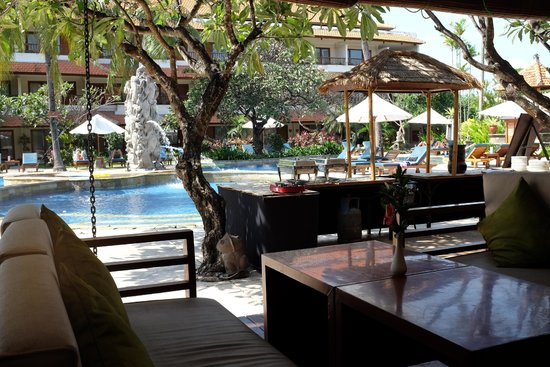 Bali Rani Hotel: This is where we ate breakfast - stunning