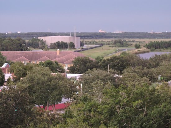 Embassy Suites by Hilton Orlando - International Drive / Convention Center : View from our room to the east