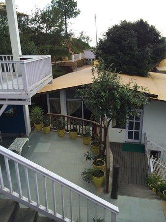 Te Aroha Dhanachuli: Way to eating area