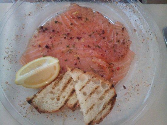 Auberge Montana : carpaccio de saumon