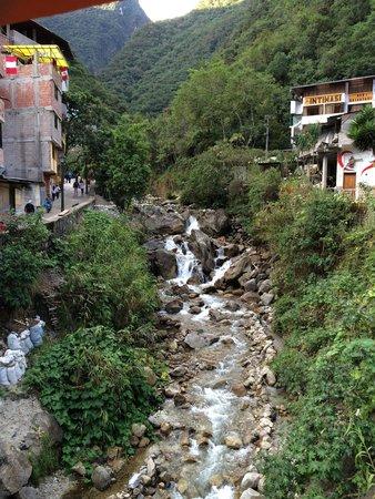 Machu Picchu Pueblo: Riachuelo en Aguas Calientes