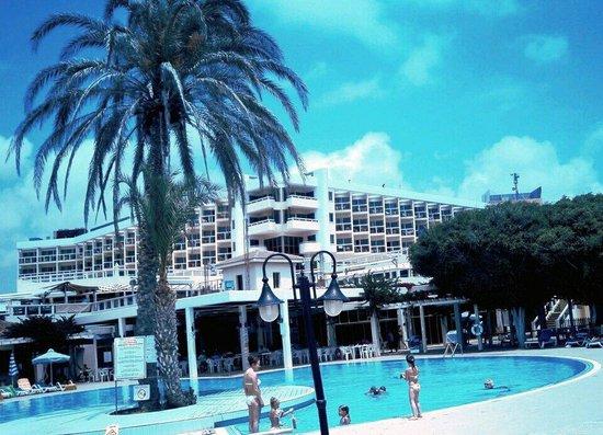 Cyprotel Laura Beach Hotel: 2011