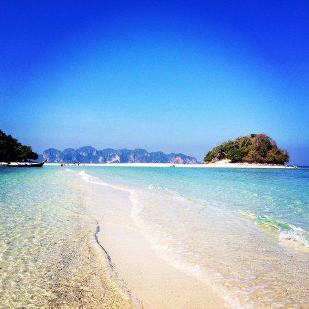 Tup Island : ...
