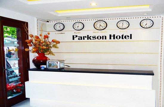 Parkson Hotel Hanoi: Reception