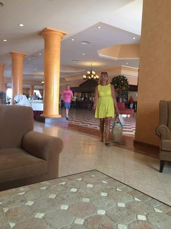 ClubHotel Riu Chiclana: My mum and dad's cruise docked in Cadiz so they took a bus to our hotel and surprised me!