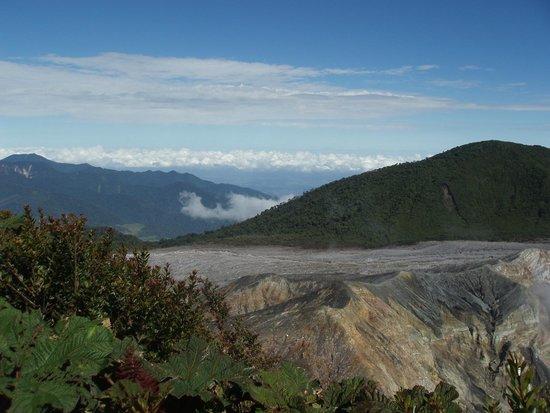 Poas Volcano : Extension impressionnante du volcan