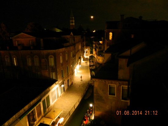 Ca' Priuli: night view from terace