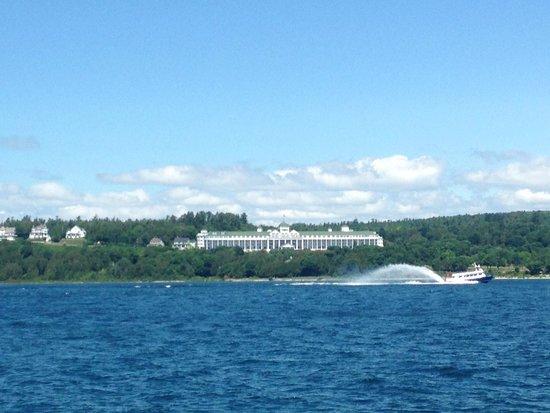 Shepler's Mackinac Island Ferry: Grand Hotel