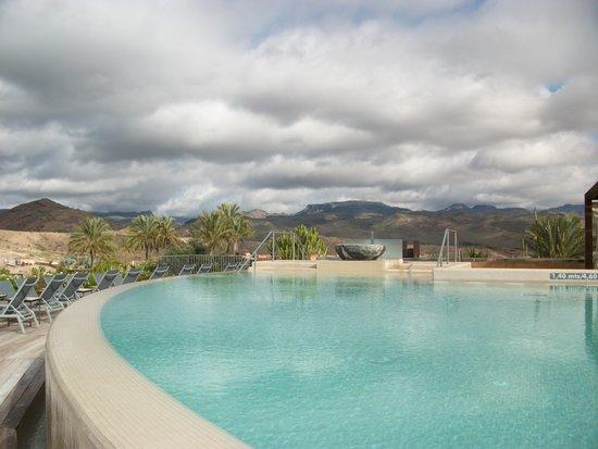 Sheraton Gran Canaria Salobre Golf Resort: бассейн