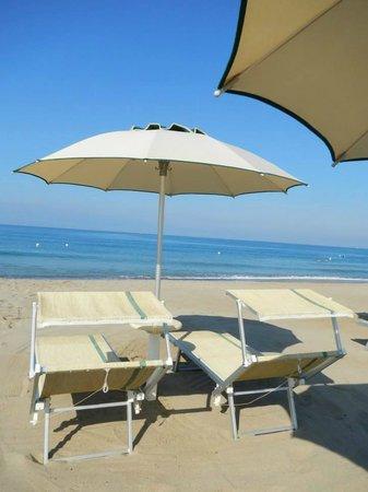 Residence Oliveto a Mare: Spiaggia attrezzata