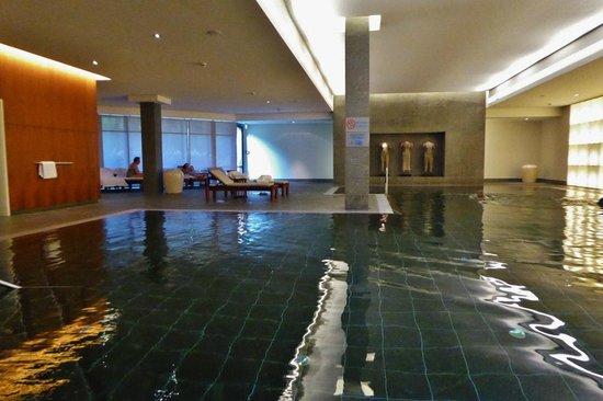 Pullman Aachen Quellenhof : Wunderschöner Pool im Spa