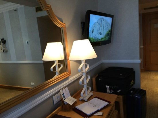 Meikles Hotel : Desk