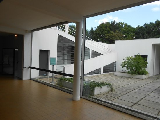 Villa Savoye : View from interior out on to the roof terrace