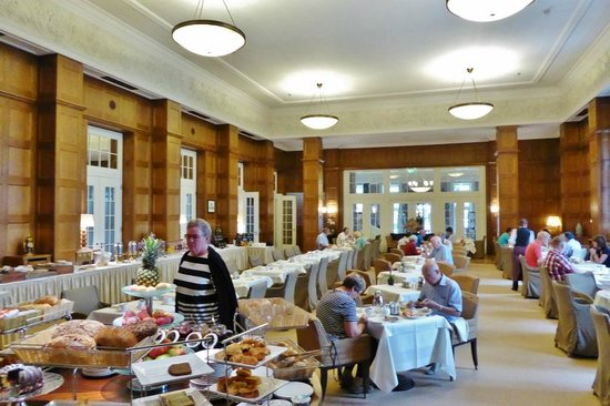 Hotel Pullman : Frühstücksraum- Provisorium